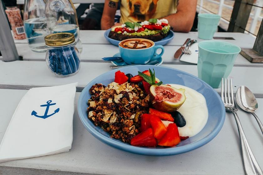 boathouse Balmoral beach cafe brunch