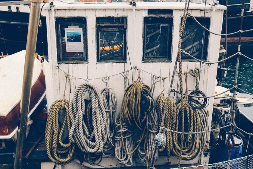 copenhagen nyhavn boat tugboat ropes
