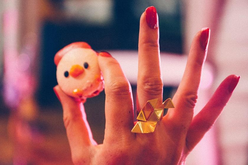lunar-markets-sydney-n1-black-star-pastry-rooster-macaron-3