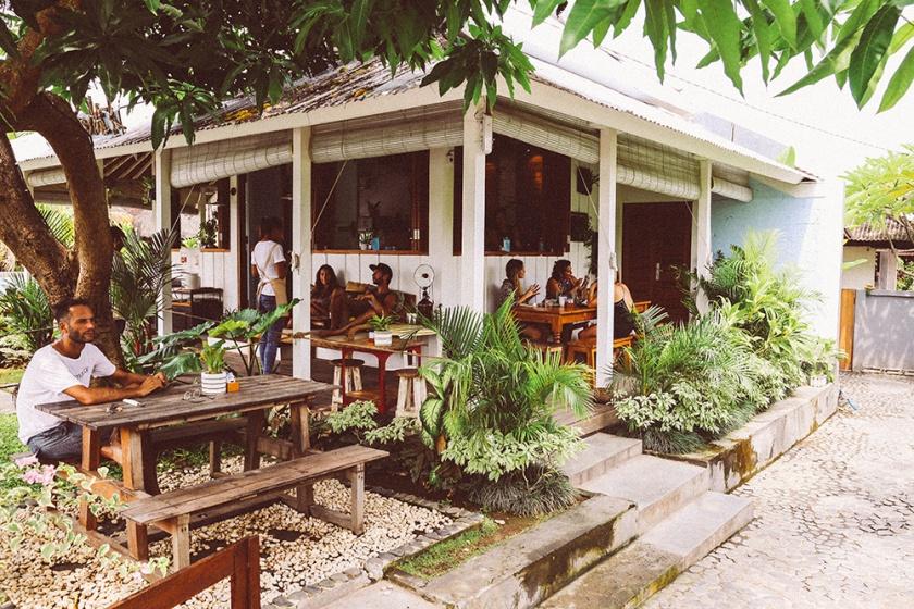 shady-shack-canggu-bali-deck-2