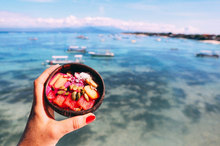 Nusa Lembongan the deck dragon fruit bowls best places to eat bali