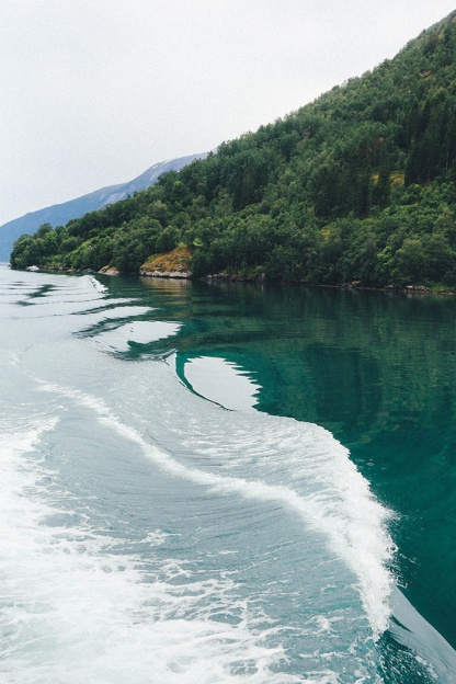 Norway Fjord Fjaerland Cruise Scandinavia wave 2