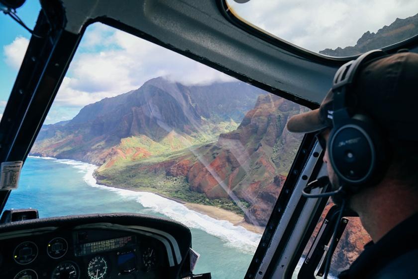 Helicopter tour Hawaii Kauai Sunshine napali coast best