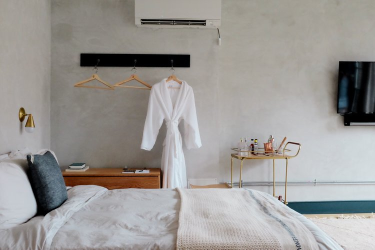 lokal+hotel+tina