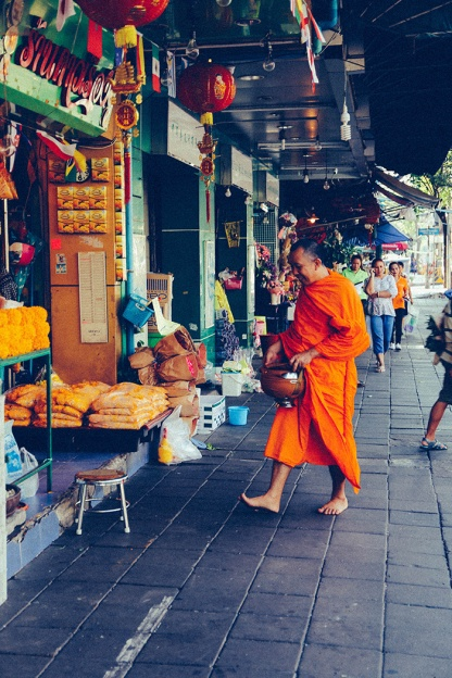 Bangkok thailand flower markets green shop monk 2