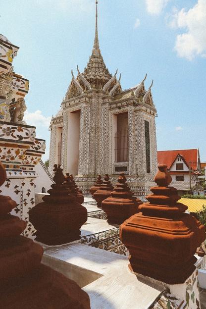 Bangkok wat arun thailand temple columns