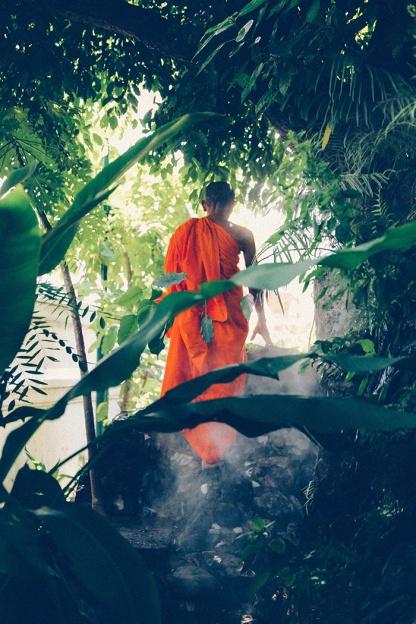 Bangkok wat arun thailand temple misty monk