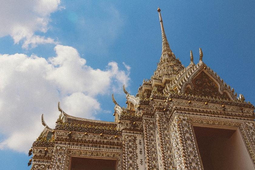 Bangkok wat arun thailand temple roof 2